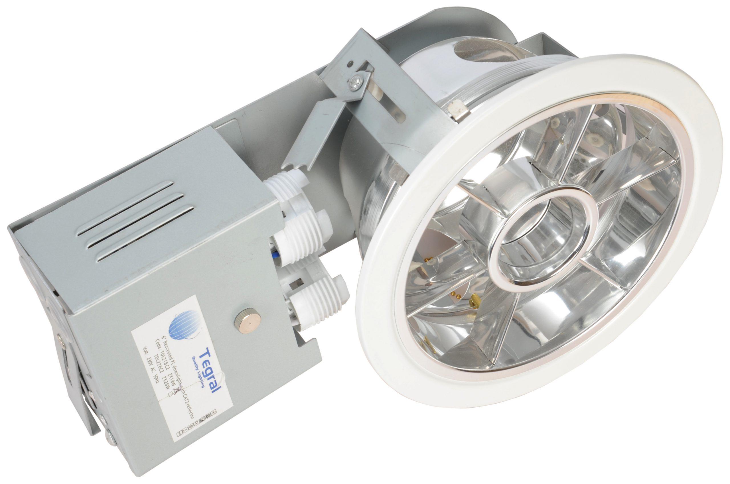 Einbaudownlight TC-DEL, mit Parabolspiegelraster, IP20